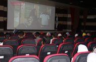 دانش آموزان مکاتب در راستای پشتیبانی و ماندگاری سینما فردوسی اوز به سینما آمدند