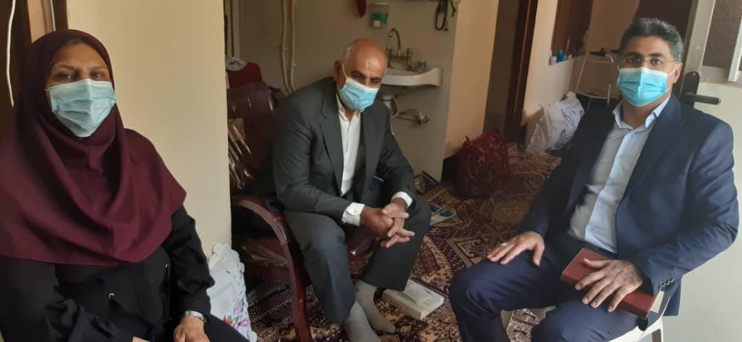 بازدید رئیس کمیته امداد از منازل مددجویان اوز و دیدار با ایشان